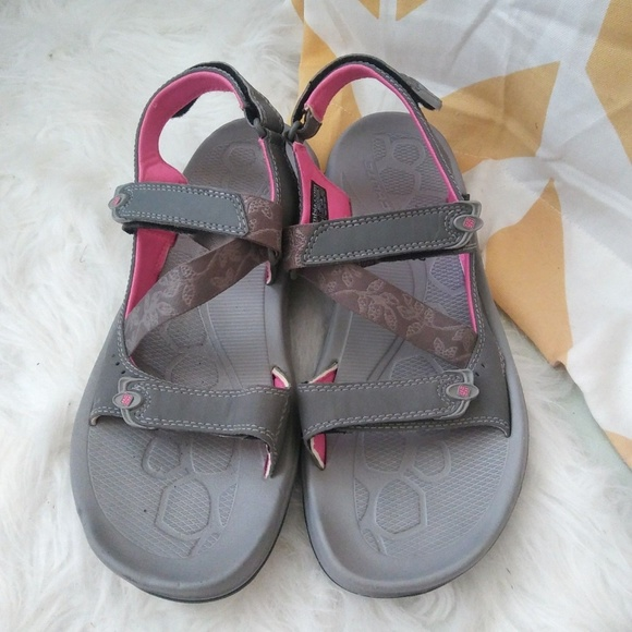 0c85aa7fbff4 Columbia Shoes - Columbia ladies size 9 gray pink athletic sandals